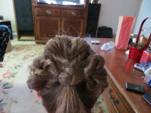 A shamrock ponytail for my little colleen...
