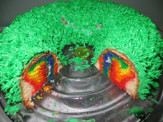 Adorable...a rainbow baked in the middle!